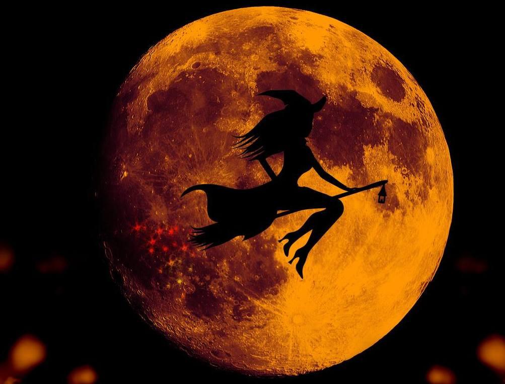 полнолуние на Хеллоуин